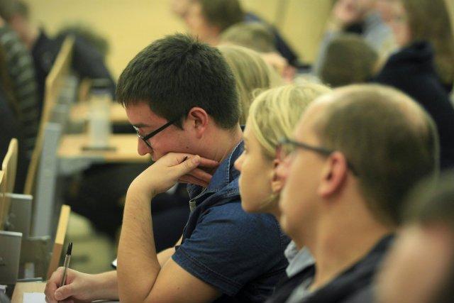 Postawa studentów nie motywuje dzisiejszych doktorantów do wytężonej pracy