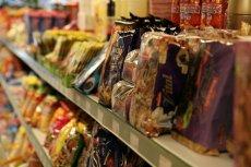 W jednym z toruńskich sklepów sieci Żabka walczy się ze złodziejami bez pardonu: za pomocą wywieszanych w witrynie zdjęć.