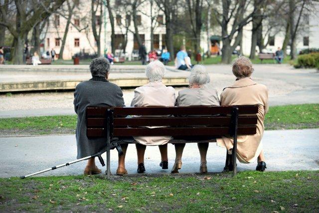 PO i PSL chcą zniesienia podatków od emerytur