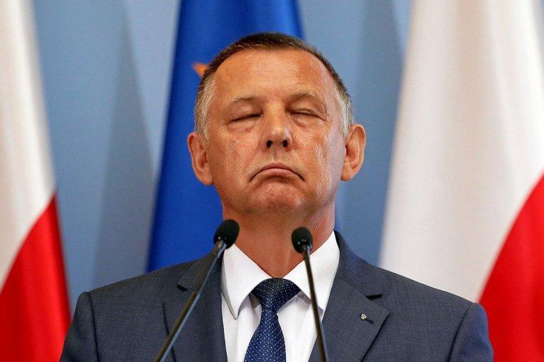 """Marian Banaś oszukiwał państwo na podatkach. Firma jego syna zajmuje się m.in. obroną firm przez """"pazernością fiskusa""""."""