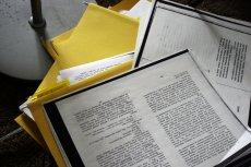 Aby powstało Repozytorium Cyfrowe Instytutów Naukowych, naukowcy z 16 uczelni musieli zeskanować ponad 10 mln papierowych dokumentów.