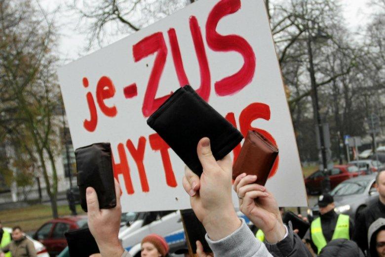 Z powodu obciążeń ubezpieczeniowych 700 tysięcy Polaków może pracować w szarej strefie.