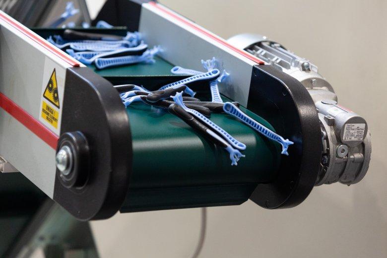 Maszynki są różnych kształtów i kolorów. Niektóre potrafią składać się nawet z 20 komponentów.