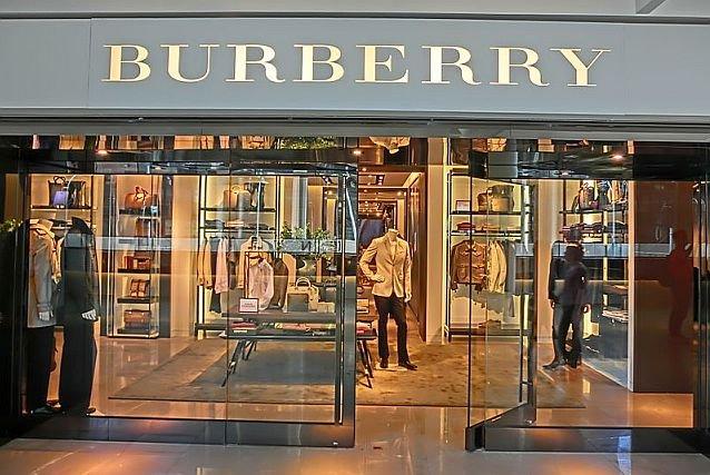 Burberry niszczy ubrania, których nie sprzeda.
