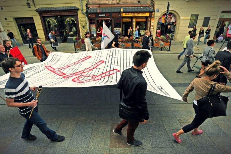Manifestacja antypodatkowa w Krakowie. Niestety, bez PIT polskie miasta czekałoby nieuniknione bankructwo.