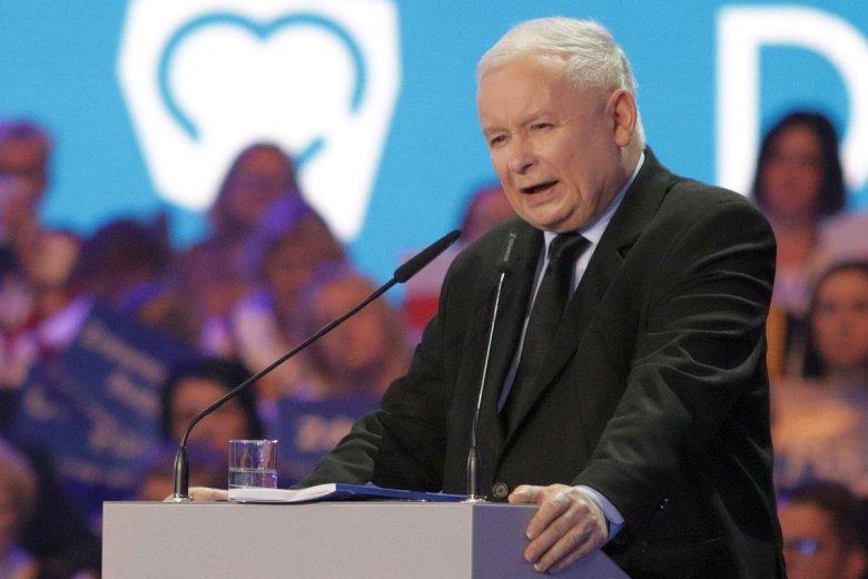Prezes PiS Jarosław Kaczyński przedstawił program na wybory parlamentarne: na koniec 2023 roku - 4 tys. zł pensji