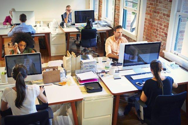 Koniec z obijaniem się w biurze?
