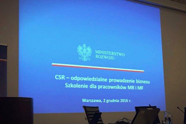 CSR trafił również do gabinetów polityków. Na razie jednak tylko w teorii