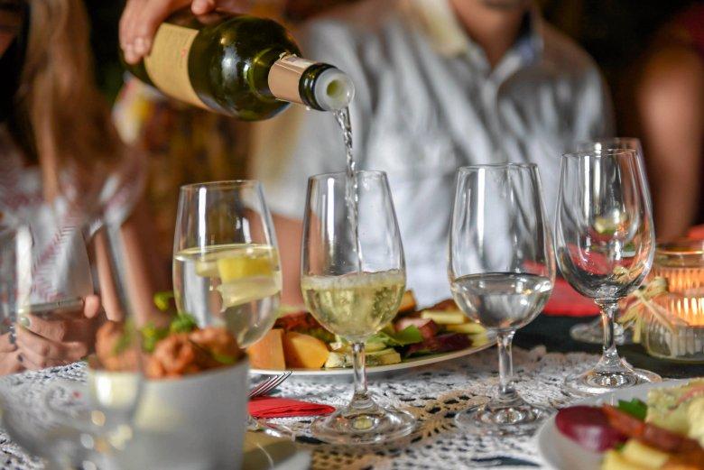 W Polsce powstają warunki do zakładania dużych winnic. Produkcja wina staje się coraz popularniejsza w dobie zmian klimatu.