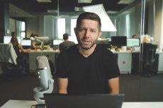 Założyciel Brand24 Michał Sadowski umieścił na YouTube nagranie, w którym wyjaśnia ze swojej perspektywy powody zablokowania profili na Facebooku i Instagramie.