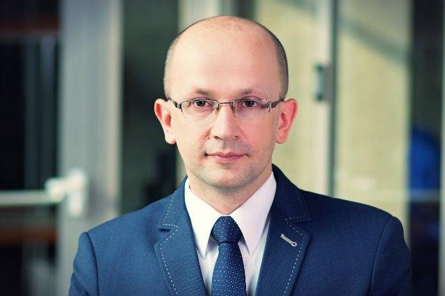 Dr Tomasz Czernecki