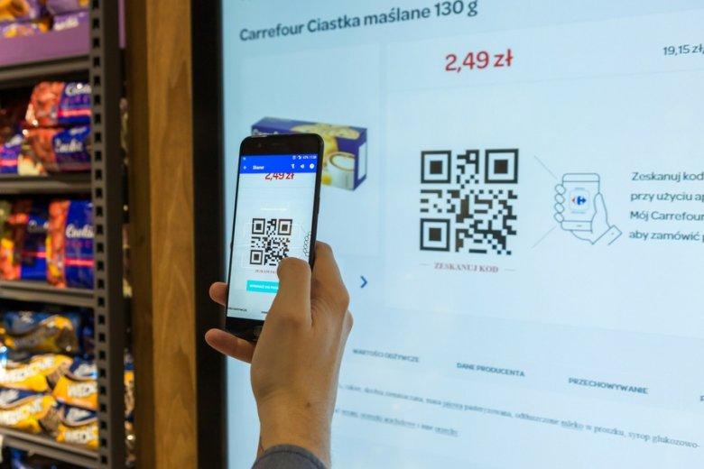 Dzięki aplikacji klienci mogą też kupować produkty, których nie ma fizycznie w sklepie.