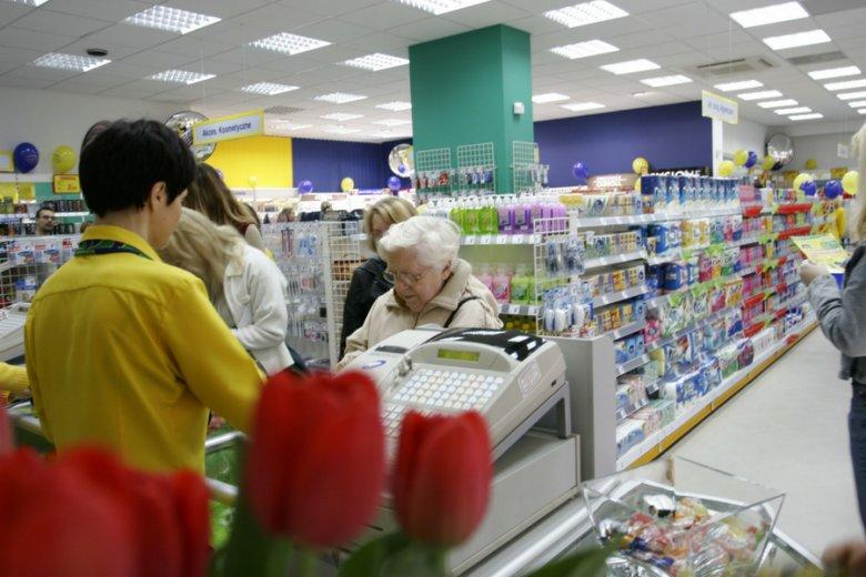 Kobiety płacą średnio od kilku do kilkunastu procent więcej za produkty adresowane bezpośrednio do nich: kosmetyki, ubrania, zabawki.