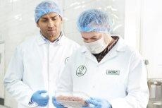 Paweł Waligórski z Indrolu (z lewej) - jeden z największych producentów indyczego mięsa w Polsce