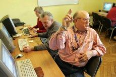 9 mln dorosłych Polaków jest wykluczonych cyfrowo. Nie umieją korzystać z podstawowych narzędzi w internecie.