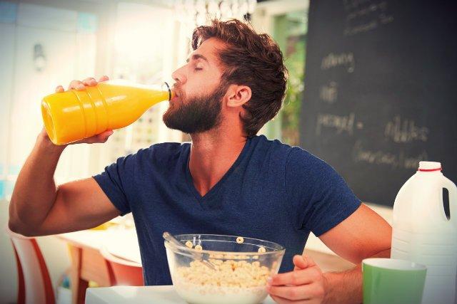 Opijanie się sokami może prowadzić to otyłości i cukrzycy typu 2.