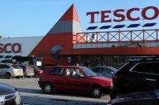Tesco ma rozważać sprzedaż polskich, nierentownych sklepów, jak donosi serwis Bloomberg.