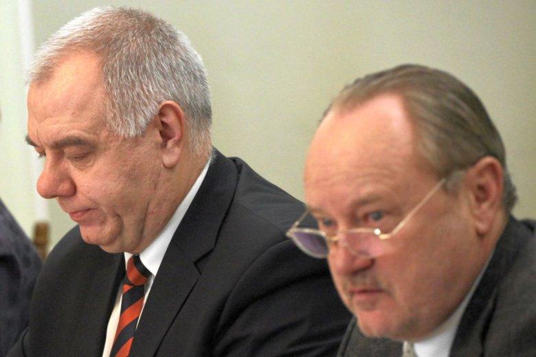 Jacek Sasin i Janusz Szewczak - posłowie PiS walczący o to, by SKOK-i nie musiały oddawać prawie 300 mln zł do Bankowego Funduszu Gwarancyjnego
