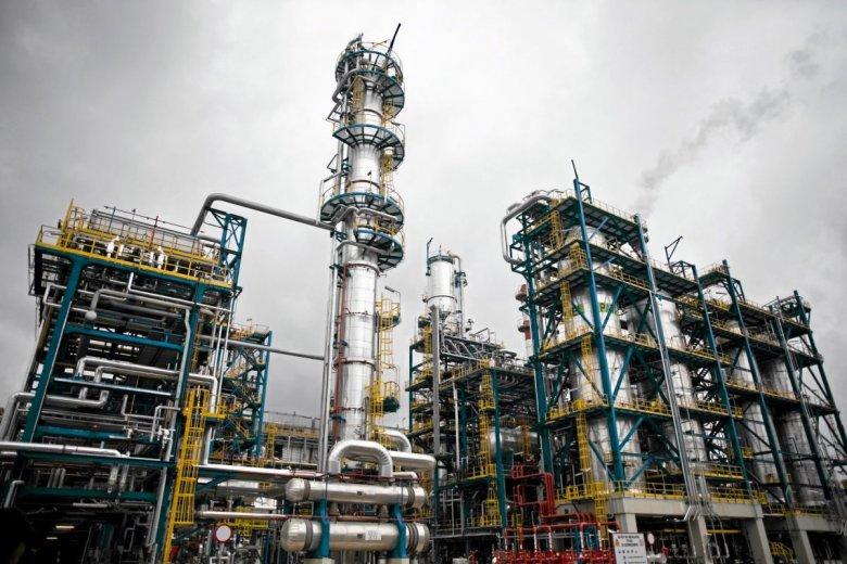 Rafinerie mają pracować bez przeszkód przez najbliższe kilkadziesiąt dni