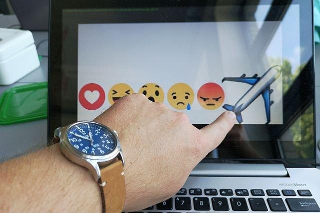 Emotikony na Facebooku. Samolot w ikonach reakcji na Facebooku okazał się być tylko błędem programistów.