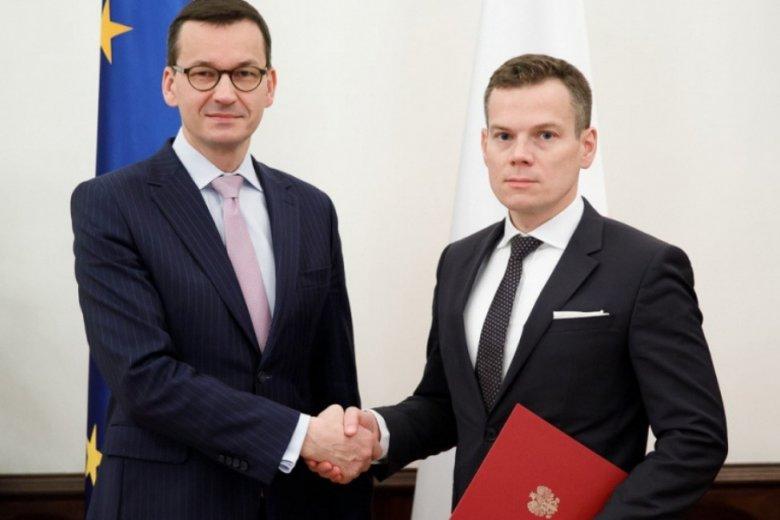 Premier Mateusz Morawiecki z nowym szefem KNF, Jackiem Jastrzębskim.