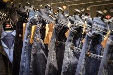 W sklepach coraz trudniej znaleźć spodnie ze zróżnicowaną długością nogawek