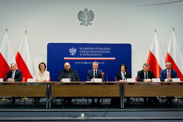 Nitro-Chem znalazł się wśród firm pomagających ofiarom burz. Podczas konferencji w Kujawsko-Pomorskim Urzędzie Wojewódzkim Krzysztof Kozłowski zadeklarował co najmniej 50 tys. zł pomocy