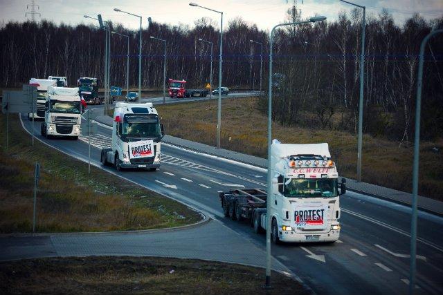 Protest kierowców samochodów ciężarowych przeciwko braku parkingów oraz wysokim kosztom parkowania