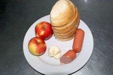 W więzieniu odmowa spożywania posiłków jest karana