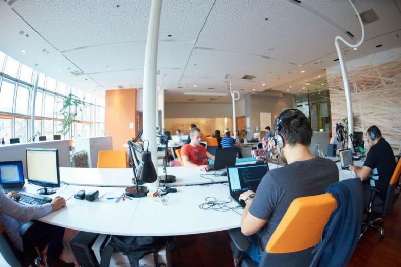 Koszty odejścia programisty mogą sięgnąć 100 tysięcy złotych; w przypadku całego zespołu mogą pójść w miliony.