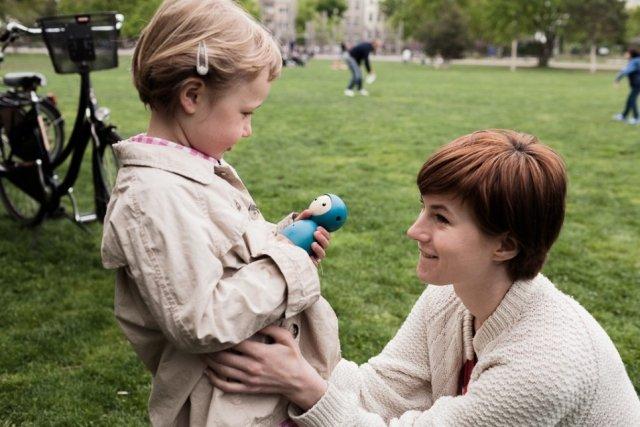 Justyna Zubrycka zaprojektowała Vaikai, a wraz z Matasem Petrikasem uruchomiła kampanię na Kickstarterze, by sfinansować projekt