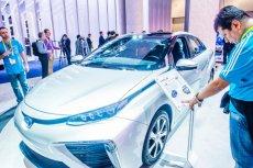Wodorowa przyszłość motoryzacji: prezentacja toyoty mirai podczas CES Show w Las Vegas.