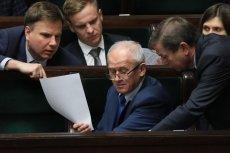 Minister Krzysztof Tchórzewski podczas debaty nad ustawą zamrażającą ceny za prąd.