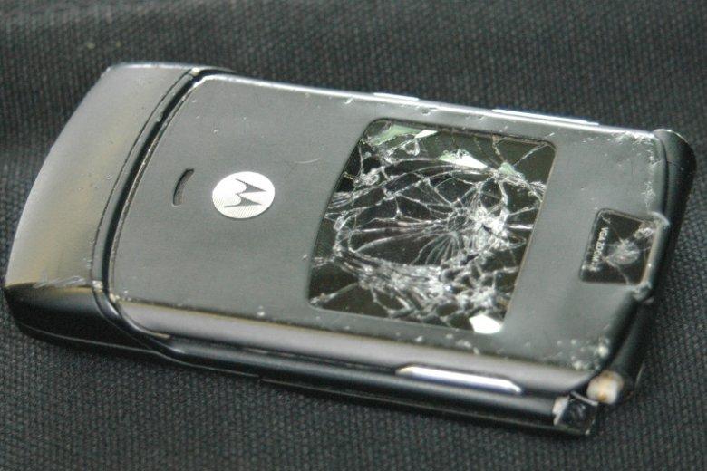Motorola RAZR zwana brzytwą.
