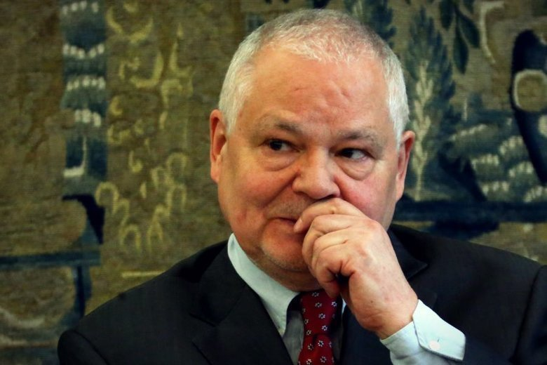 Adam Glapiński z zarobkami rzędu 786 tys. zł rocznie nie ma się czego wstydzić przed kolegami