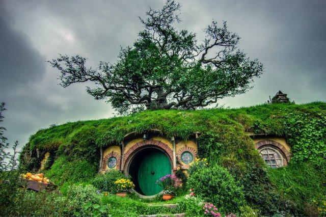 """W tolkienowskim """"Władcy Pierścieni"""" Shire było uosobieniem spokoju, oazą na targanej wojnami mapie Śródziemia. Podobny zamysł przyświeca organizatorowi akcji, Pawłowi Sokolowi"""