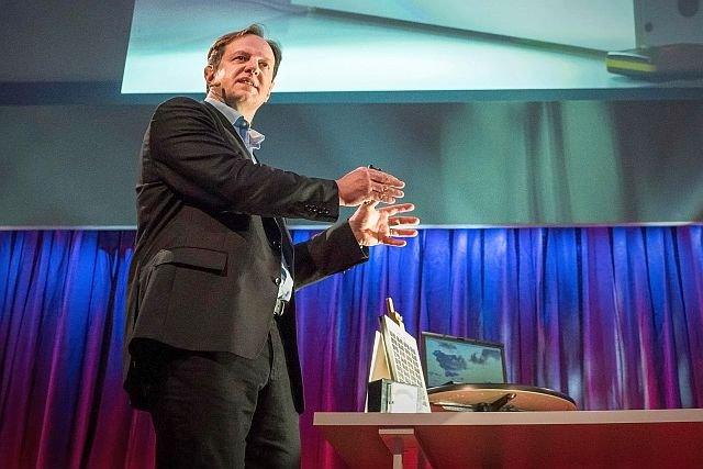 Prof. Harald Haas, czołowy badacz zagadnień Li-Fi, założyciel firmy, która jest liderem tego rynku