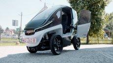 Triggo to samochód o gabarytach motocykla. Takie rozwiązanie ma ułatwić poruszanie się w korkach.