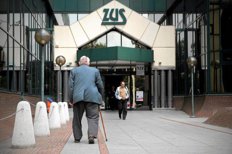 Okazuje się, że jest grupa, która dostaje z ZUS-u więcej, niż wpłaca. To samozatrudnieni.