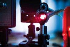 Diody superluminescencyjne stworzone przez EIT+ posiadają parametry optyczne porównywalne z najlepszymi na świecie diodami laserowymi.