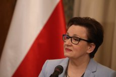 Minister edukacji narodowej Anna Zalewska uważa, że wynagrodzenia dla nauczycieli nie zależą od niej.