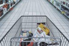 Biedronka wcale nie jest najtańszym sklepem. W Auchan zapłacimy za zakupy mniej.