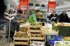 """Książka """"Jeść zdrowiej. Warzywa i owoce"""" to już ósma książka sieci dotycząca jedzenia, wydana w imponującej liczbie 2 mln egzemplarzy"""