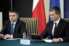 Od lewej wiceminister finansów Jacek Kapica oraz szef resortu - minister Mateusz Szczurek.