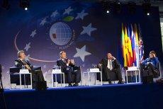 Forum Ekonomiczne w Krynicy-Zdroju to największa konferencja ekonomiczna w Europie Środkowo-Wschodniej. Gościem specjalnym zeszłorocznej edycji był prezydent Andrzej Duda. Na tegorocznym wydarzeniu pojawią się przedstawiciele wielu państw i firm