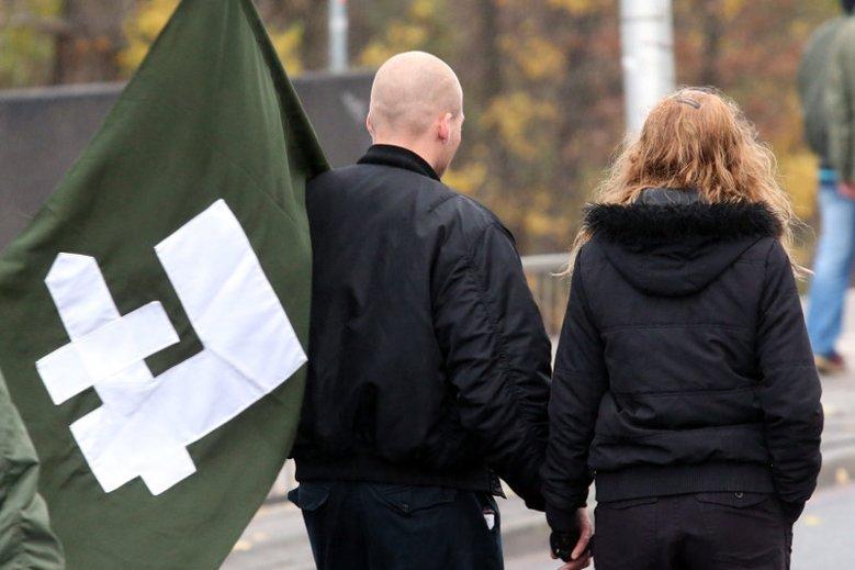 Od kilku lat obchody Święta Niepodległości tłumnie wizytują nacjonaliści
