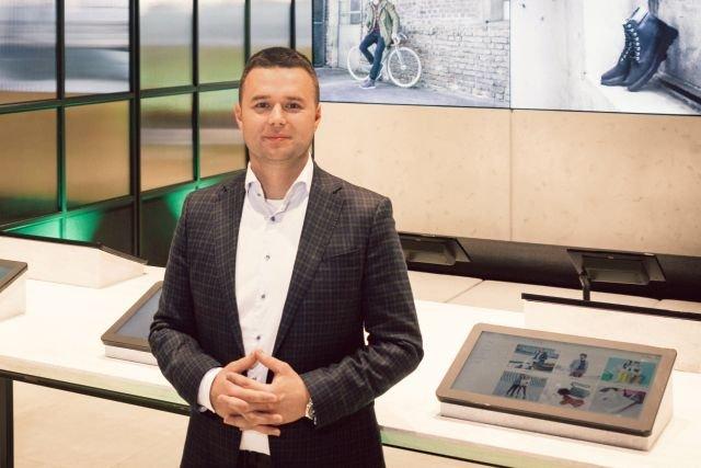 - Żeby zapoznać się z całą ofertą, która jest w magazynie, trzeba byłoby odwiedzić ponad 60 sklepów pojedynczych marek - mówi szef eobuwie.pl o swoim nowym sklepie.