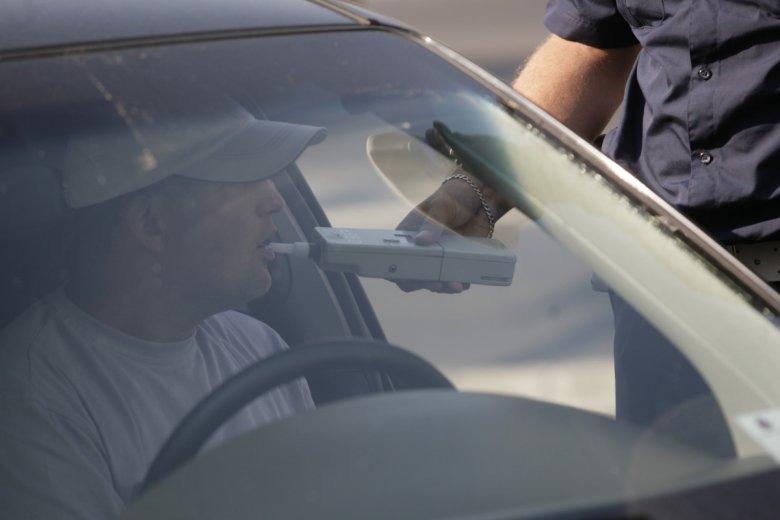 """W czasie akcji """"Wielkanoc"""" na drogach może się pojawić nawet 5,5 tys. policjantów."""