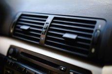 W 40 proc. polskich aut może krążyć nielegalny, potencjalnie bardzo niebezpieczny czynnik chłodniczy.