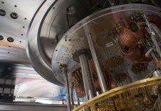 Jak przekonywało Google, jego maszyna kwantowa pokonała najpotężniejszy, wyprodukowany do tej pory komputer IBM.